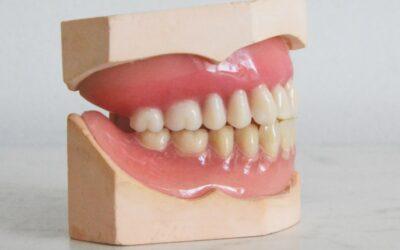 How do I choose a dentist for dentures?